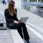 How I handle a full time job and blog